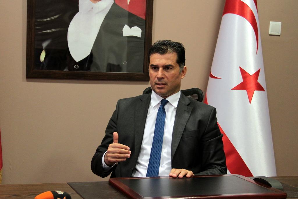 KKTC Başbakanı Özgürgün 'Türk Askeri Kıbrıs'tan çıksın diyenlerle daha ne görüşeceksin?'