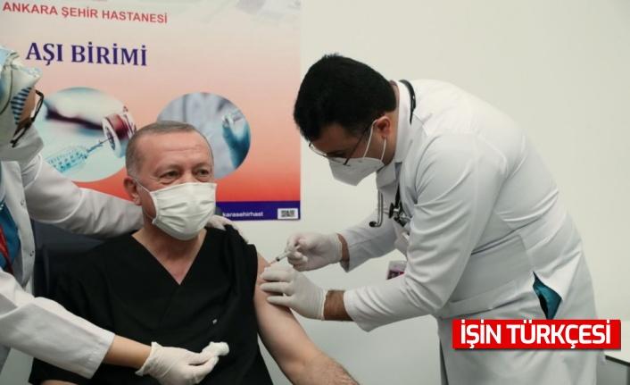 Cumhurbaşkanı Recep Tayyip Erdoğan, CoronaVac aşısı oldu