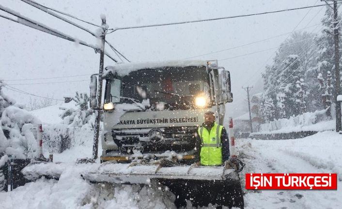 Sakarya Büyükşehir Belediyesi Karla Mücadeleye devam ediyor