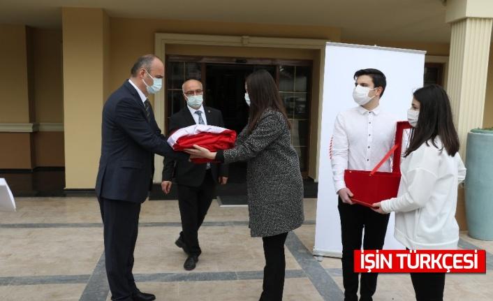 'Anadolu gönül yolu' projesinin ay-yıldızlı bayrakları yola çıktı