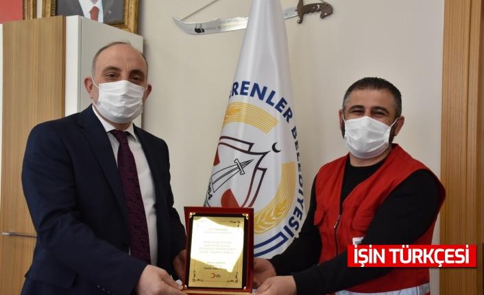 Erenler Belediye Başkanı Fevzi Kılıç'tan Kızılay'ın Çalışmasına Destek
