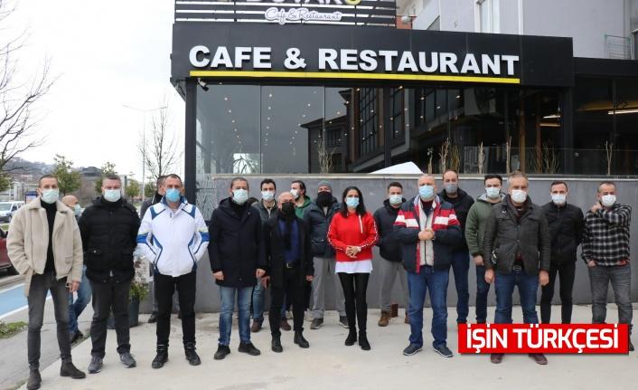Sakaryalı kafe ve restoran sahipleri dükkanlarının açılmasını istedi