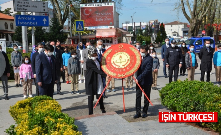 Hendek'te 23 Nisan Tören'le Kutlandı