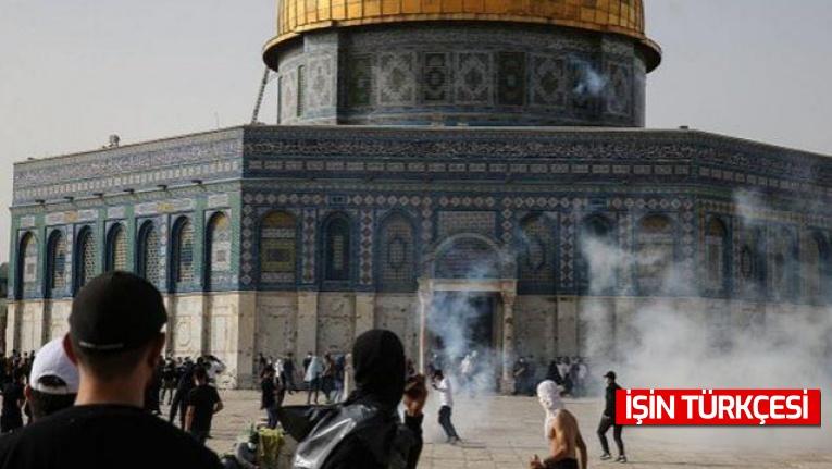 İsrail polisi, Mescid-i Aksa'ya cuma namazı sonrası ses bombaları ile yine saldırdı!