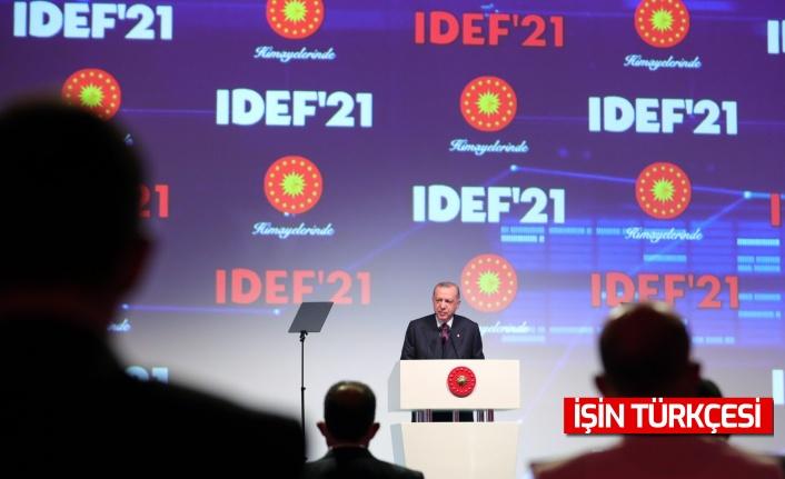 """Erdoğan: """"Türkiye son 19 yılda diğer pek çok alan gibi savunma sanayinde de adeta bir devrim gerçekleştirmiştir."""""""