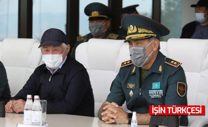Kazakistan Savunma Bakanı Nurlan Yermekbayev istifa etti