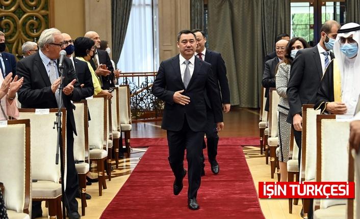 Kırgızistan Cumhurbaşkanı  Sadır Caparov, Türkiye'yi dünyanın en güçlü ülkeleri arasında gösterdi