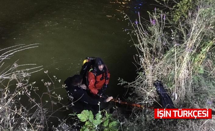 Sakarya Nehri'ne düşen genci arama çalışmaları 9 sularında başladı