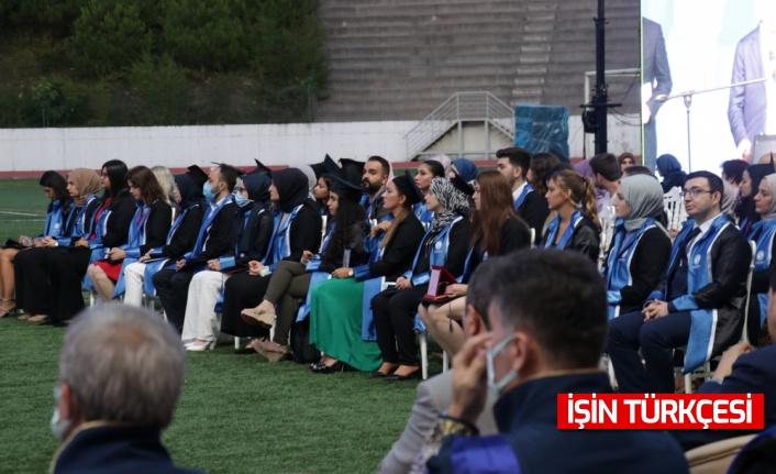 Sakarya Üniversitesi öğrencileri mezuniyet sevinci yaşadı