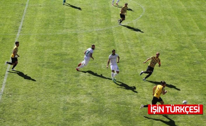 Sakaryaspor ligin ilk maçında Bayburtspor ile 1-1 berabere kaldı