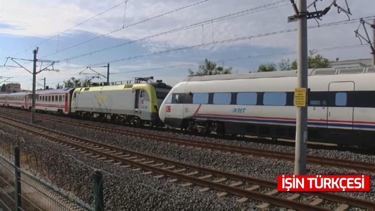 İstanbul'da faciadan dönüldü: ADA treni YHT'ye çarptı