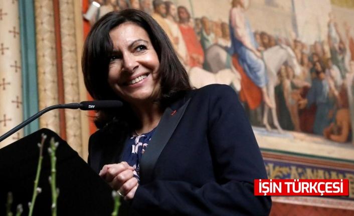 Paris Belediye Başkanı Anne Hidalgo, cumhurbaşkanlığı seçimlerinde aday olacağını açıkladı