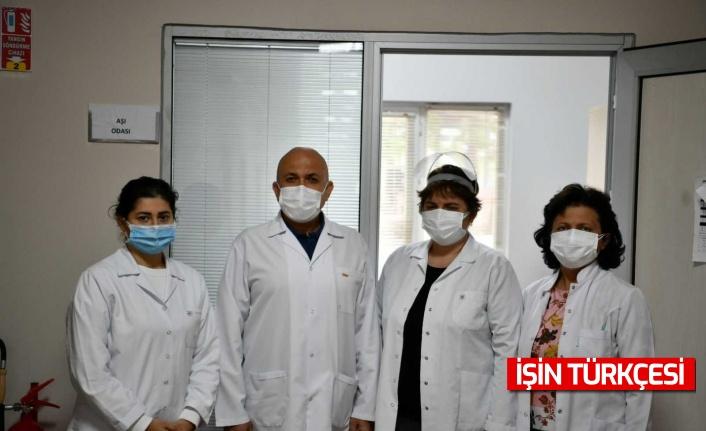 SAÜ'de Mediko Sağlık Merkezinde aşı ve test noktası kuruldu
