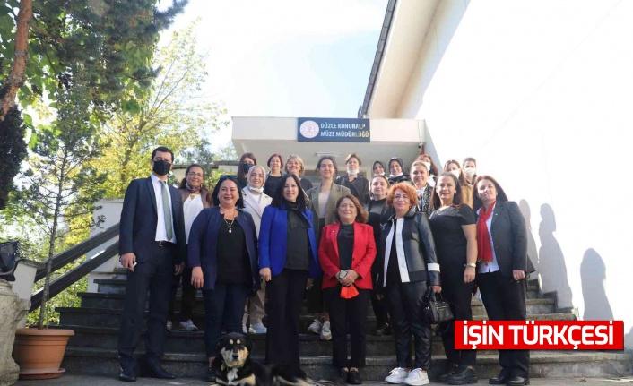 Doğu Marmara'daki kadınlar toplantıda bir araya geldi
