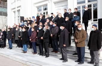 Sakaryalı imam hatipliler Kabe fotoğrafının yere serilmesine tepki gösterdi