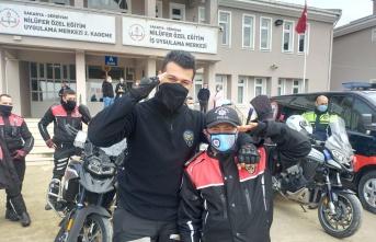 Dünya Otizm Farkındalık Günü'nde polis oldular, mutlulukları gözlerinden okundu