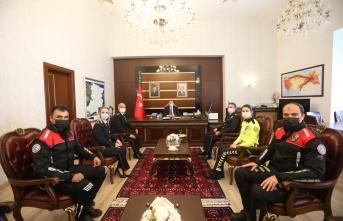 """Emniyet Teşkilatından Vali Kaldırım'a """"10 Nisan Polis Haftası"""" Ziyareti"""