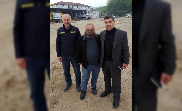Sakarya'da belediyeden çıkartılan iki işçi, garaj amiri ve yardımcısını darp etti