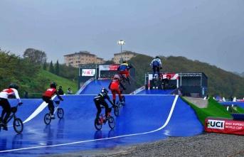 Sakarya'da düzenlenen BMX Supercross Dünya Kupası'nın 6'ncı tur yarışları sona erdi