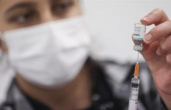 Yerli aşı TURKOVAC, 400'ün üzerine gönüllüye hatırlatma dozu olarak uygulandı