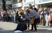 CHP'li Edremit Belediyesi'nin töreninde Türk kadını çarşaf giydirilip zincire vuruldu ÇYDD açıklama yaptı