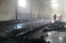 Hendek'de boş fabrikada çıkan yangın itfaiye ekiplerince söndürüldü