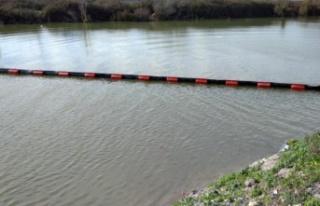 Sakarya Nehri'nde kirliliğe bariyerle önlem alındı
