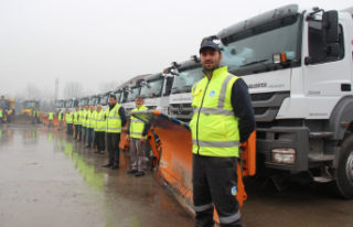 100 kişilik ekip 7/24 görevde-Büyükşehir karla...