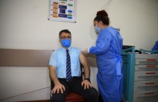 CoronoVac aşısı Sakarya'da sağlık çalışanlarına...