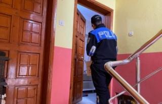 Sakarya polisi vatandaşları ziyaret ederek hırsız...