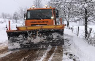 Yılın İlk Kar Yağışı! Hendek'te Yol Açma...