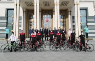 Sakarya Büyükşehir Bisiklet Takımı Cumhurbaşkanlığı...