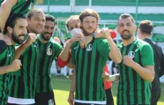 Sakaryaspor bu sezon da 1.Lig hayallerini Play-Off'a...