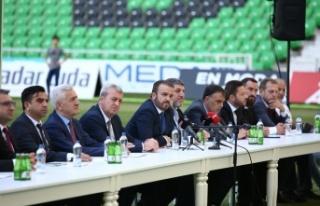 Sakaryaspor, transfer ettiği futbolcularla sözleşmeleri...