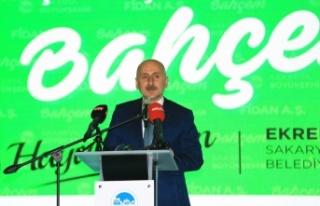 Ulaştırma ve Altyapı Bakanı Karaismailoğlu, Sakarya'da...