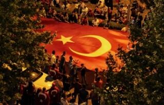 Milletin zaferi, 5. yıldönümünde Demokrasi Meydanı'nda...
