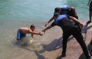 Polisten hayat kurtaran proje
