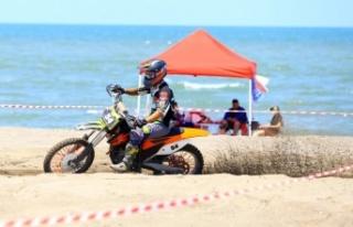 Sakarya'da Kum Enduro Yarışları yapıldı
