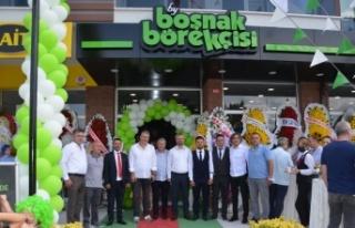 BY Boşnak Börekçisi'nin 17. şubesi Yazlık'ta...