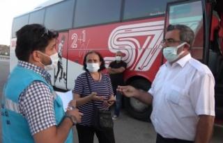 Covid-19 hastası kadını otobüse alan şoförün...