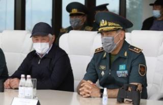 Kazakistan Savunma Bakanı Nurlan Yermekbayev istifa...