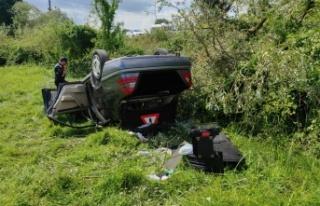 Ferizli'de araç kontrolden çıktı: 3 yaralı