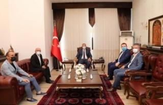 MHP Heyetinden Vali Kaldırım'a Nezaket Ziyareti