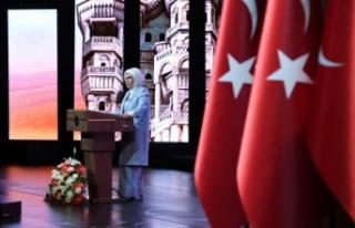 """Emine Erdoğan: """"2021 sonuna kadar, insan yoğunluğunun..."""