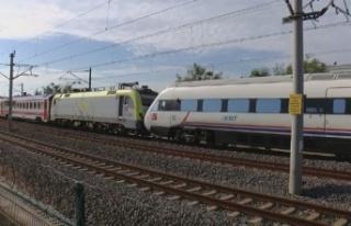 İstanbul'da faciadan dönüldü: ADA treni YHT'ye...
