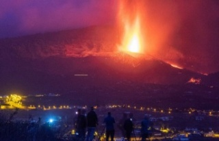 Kanarya Adaları'ndaki yanardağ felaketi hızla...