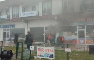 Karasu'da marketin deposunda çıkan yangın...