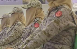 Suudi Arabistan'da ilk: Kadın askerler mezun oldu