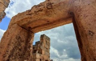 Zerzevan Kalesi ve Mithras Tapınağı'nda uzayla...