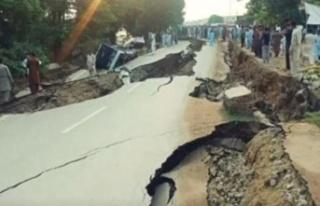 Pakistan'da 5,9 büyüklüğünde deprem meydana...